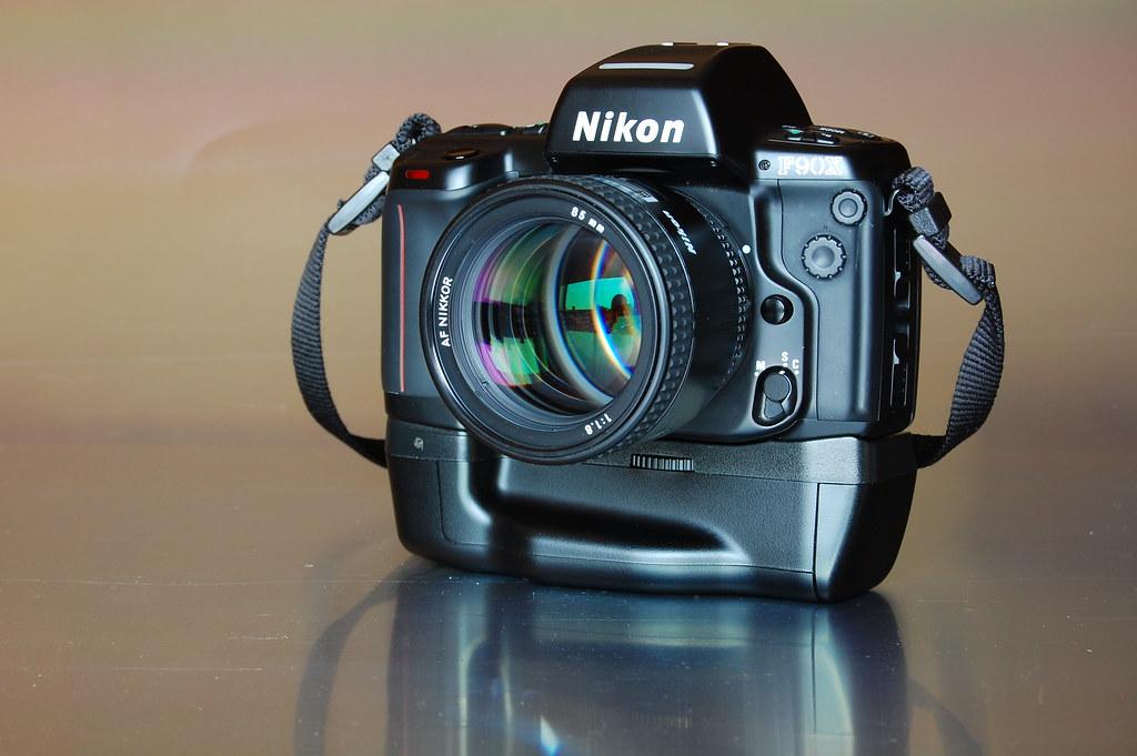 Nikon F90X Nikon F90X 1994 AF Nikkor F85mm 118