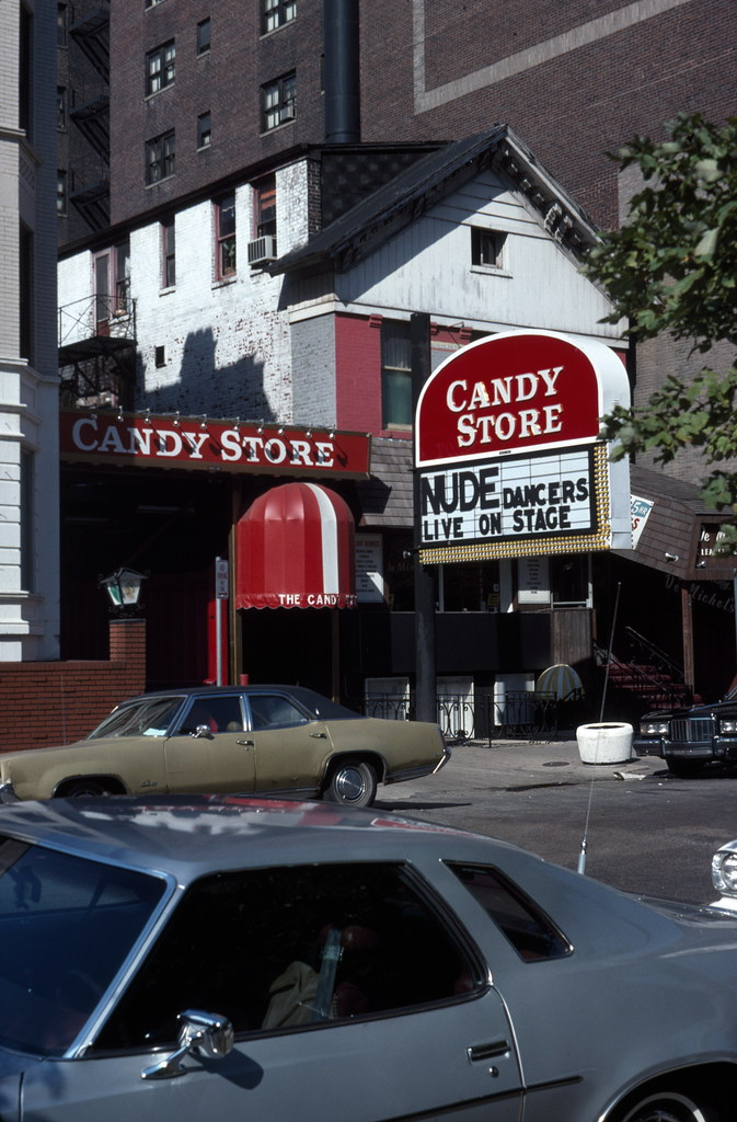 Strip club Candy Store on Wabash Street  Description