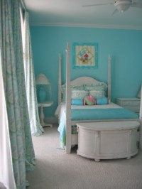 Turquoise Bedroom | A teen girl's room in a beach house is ...