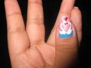 swan in love nail art design close