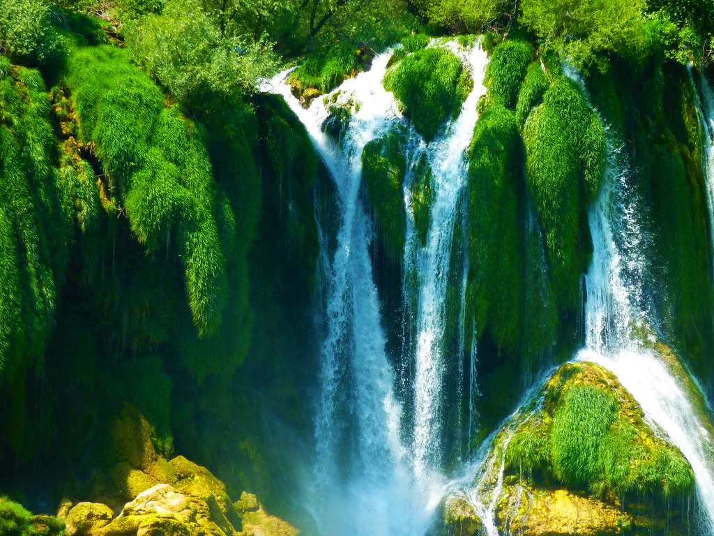 Pretty Wallpapers Fall Waterfall Kravice Waterfalls In Bosnia Herzegovina The