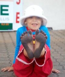 Dirty Feet Comfortable Footware Barefoot