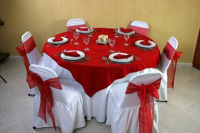 montaje 21  Mesa redonda Mantel redondo color blanco