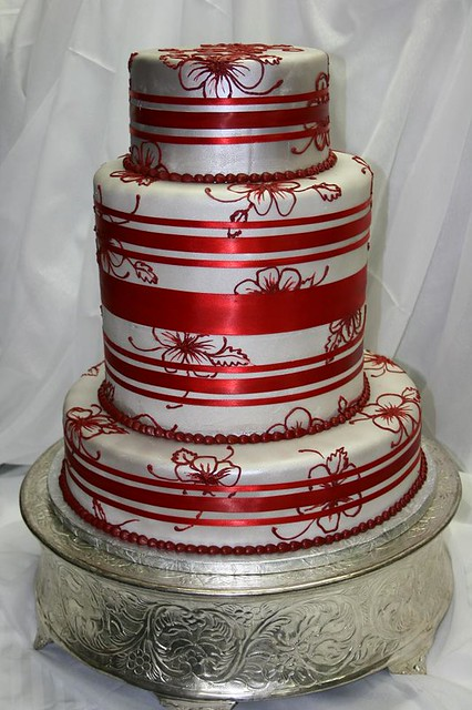 Silver And Red Wedding Cake This Silver And Red Wedding