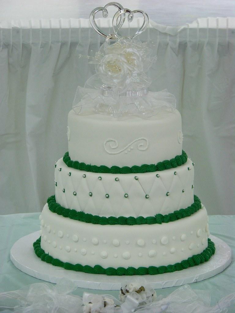 Emerald Wedding Cake  A simple elegant 3 tier wedding