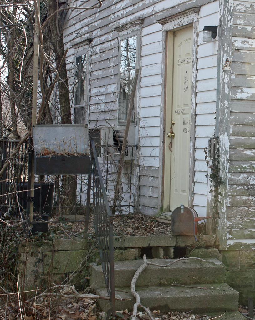Rural Sangamon County Illinois  Abandoned House West of