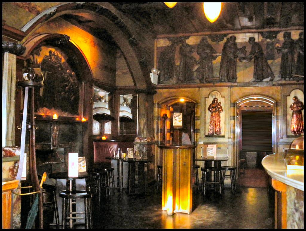 The Black Friar pub London EC4  Art Nouveau interior  r
