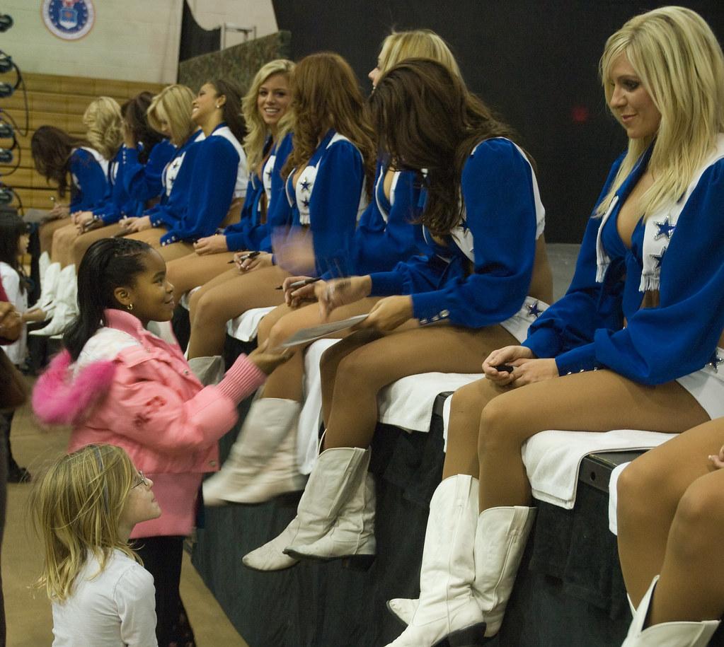 Dallas Cowboy Cheerleaders YONGSAN GARRISON Republic Of