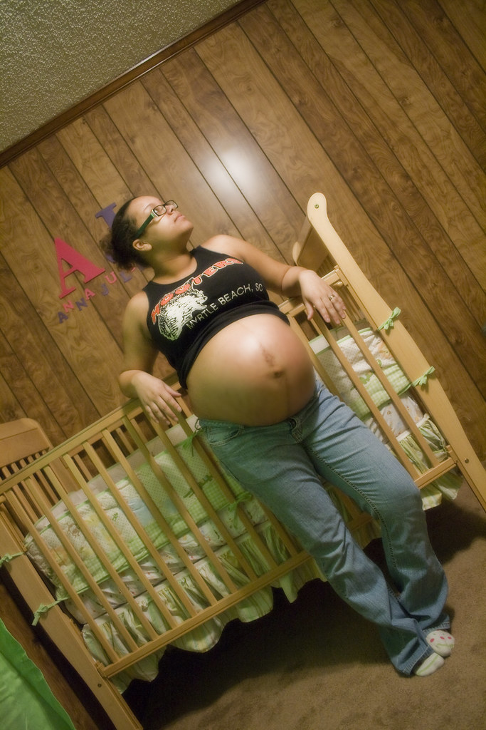 Pregnant Style  My sisters pregnant belly She just