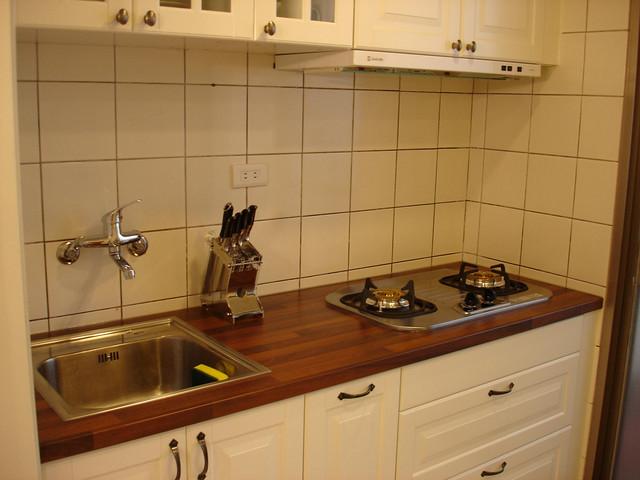 ikea kitchen remodel stainless steel cabinets for sale 改造後的廚房 花錢的磁磚泥做未動 廚具 original before www