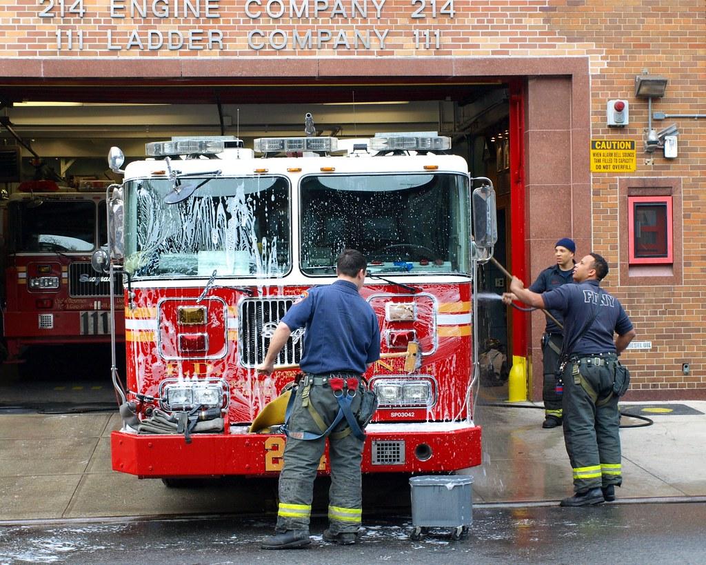 E214e FDNY Nut House Engine 214 Bedford Brooklyn New