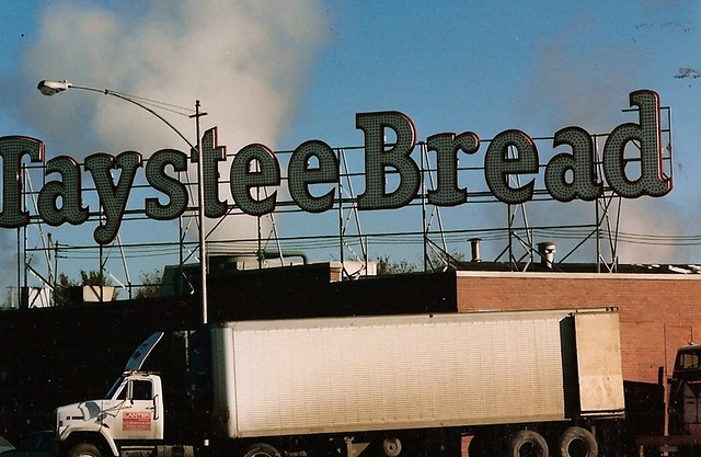 TAYSTEE BREAD NKC 1984 Baked While You Sleep The