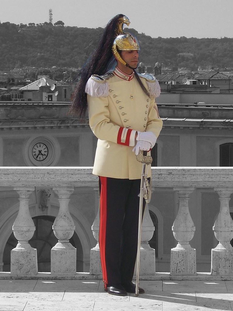 Corazziere  Il Reggimento Corazzieri  la guardia donore