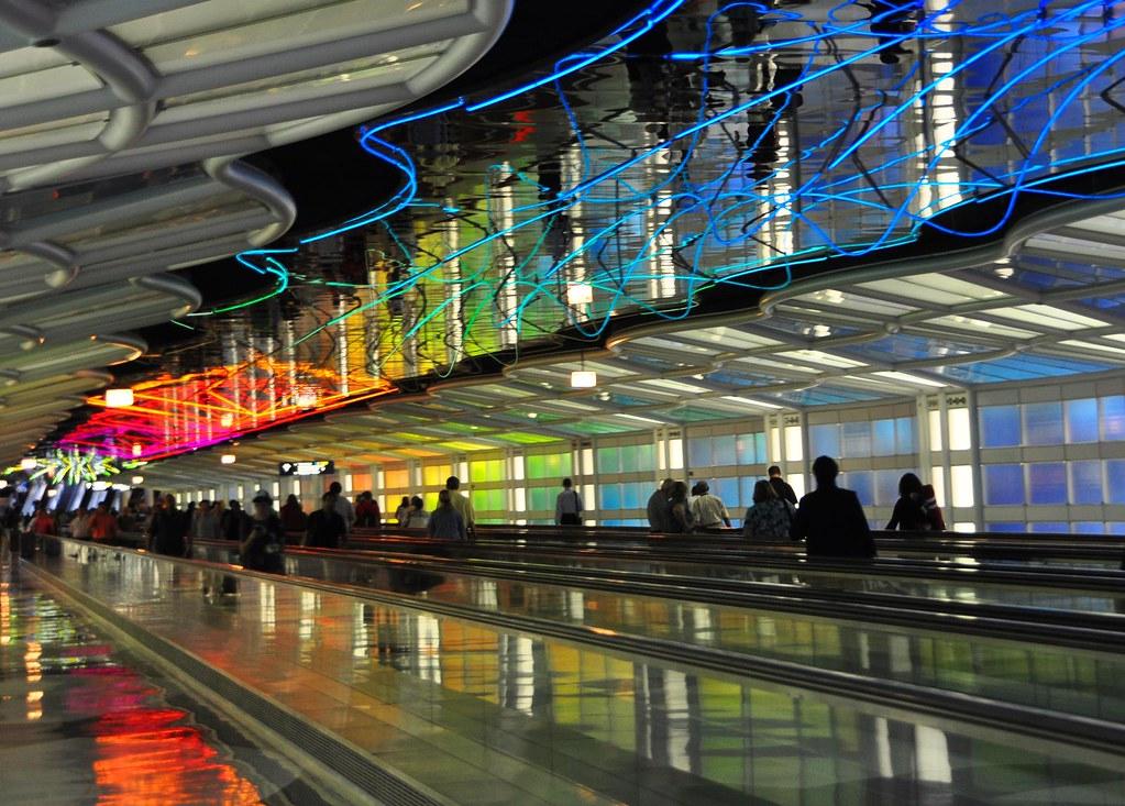 pedestrian tunnel by Helmut Jahn Chicago OHare Airport