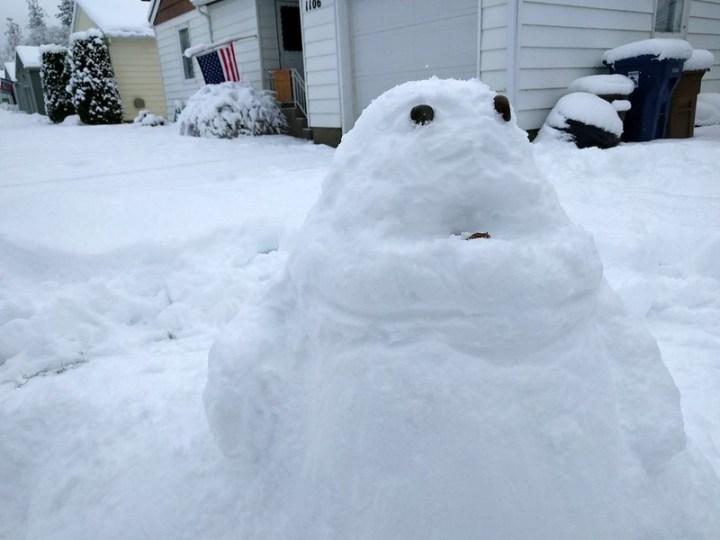 We made a snow Jabba
