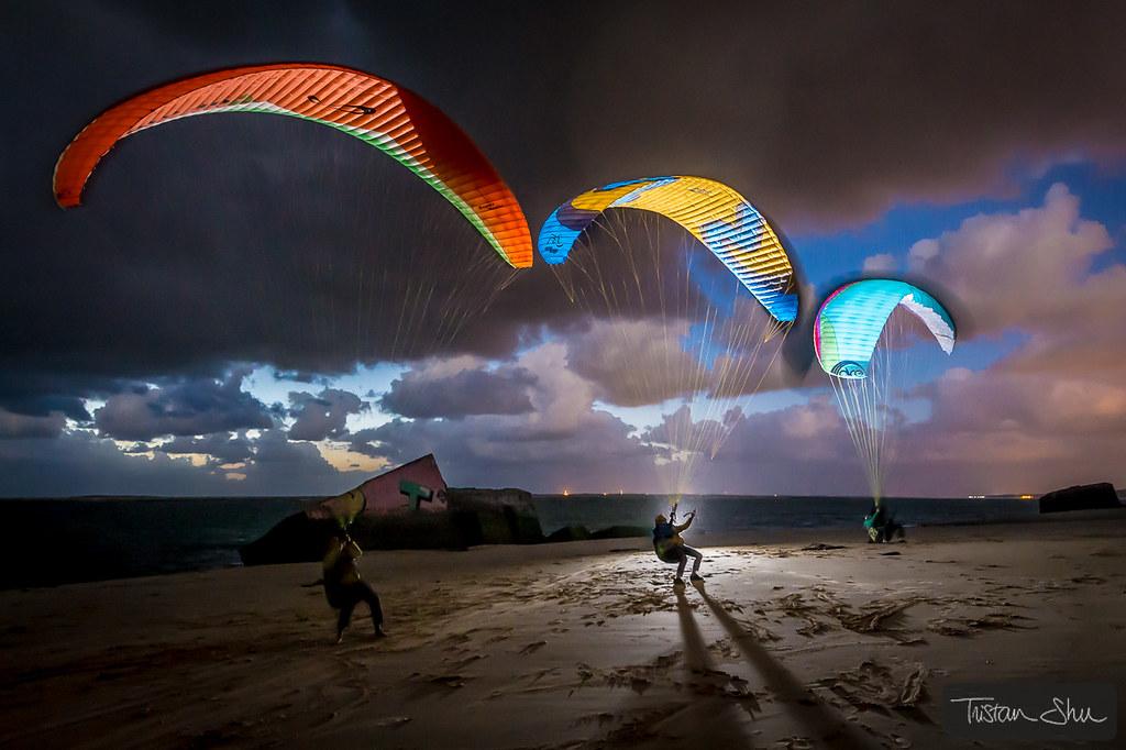 3 Pilots One Light  Dune du Pyla Gironde France  wwwT  Flickr