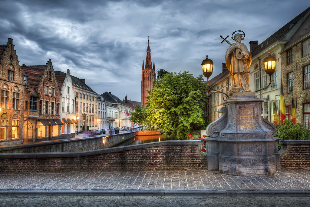 Statue In Bruge A Digital Realism Art Photo By Jacob