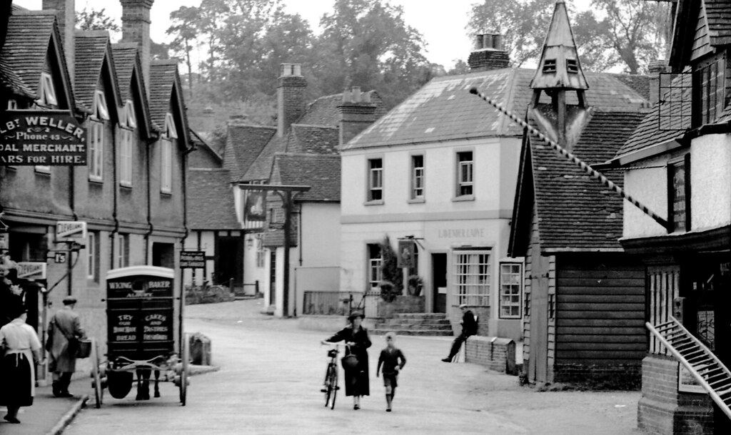 England 1938 Shere Albert Weller 9031  Signs for Albert