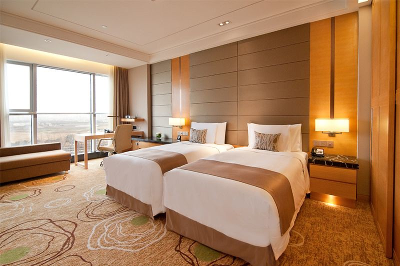 Bright Spacious Modern Superior Twin Bed Room at the Crown