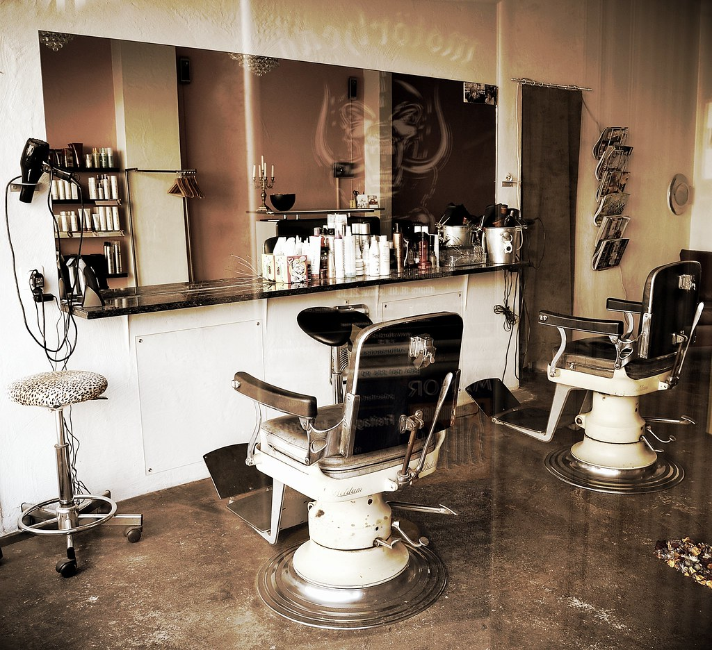 Salon de coiffure rtro  Retro hairdressing salon  Flickr