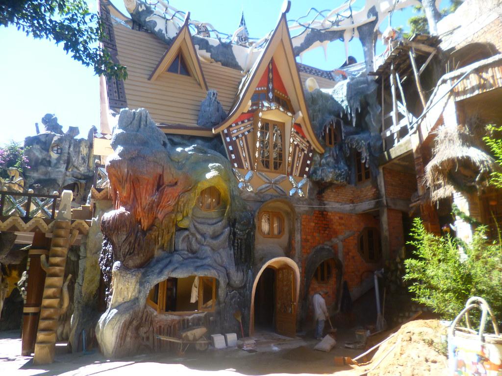 N4h Da Lat Crazy House Vietnam Fairy Tale House Giant