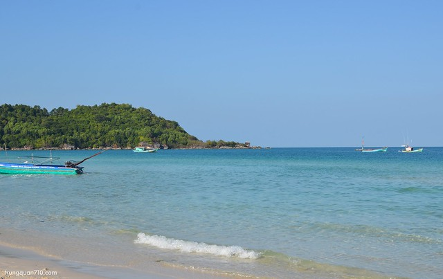 Bãi Khem. Biển xanh nắng vàng ^^