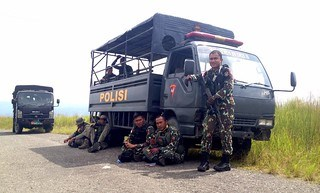indonesian army fighting isis terrorists in sulawesi