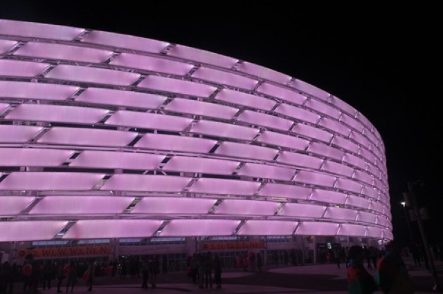 18. Stadion by night