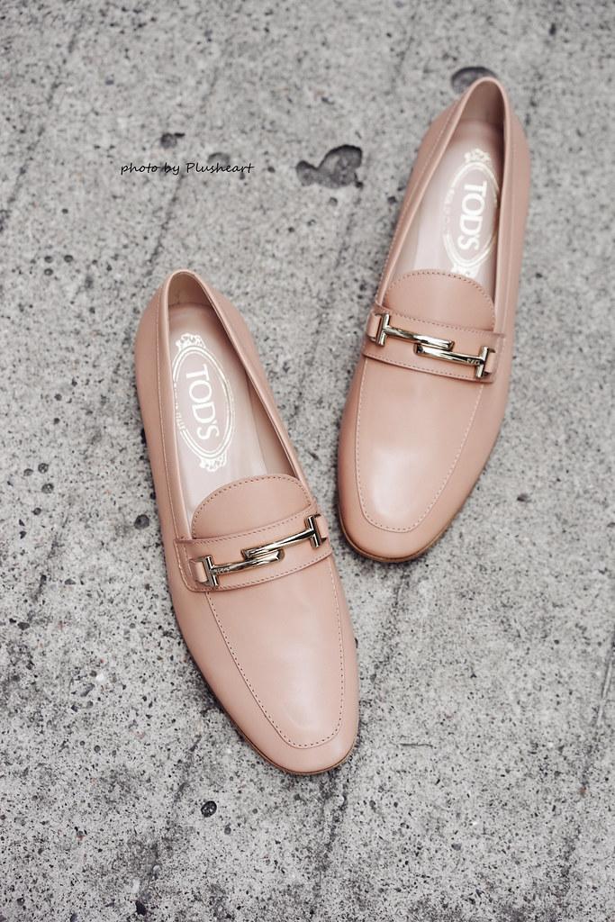 ▌Dressing the Bump ▌ 粉嫩鮭魚色雙T logo樂福鞋開箱! Tod's Gomma Leggero T-Bar leather Loafers