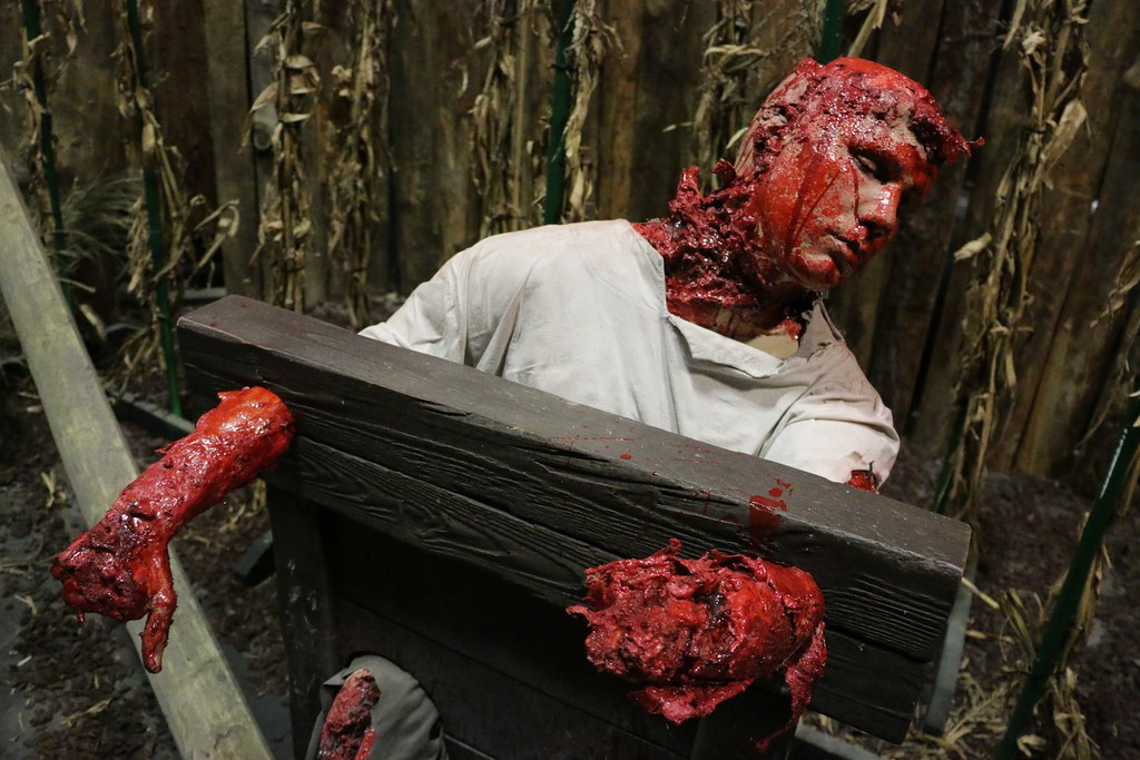 Roanoke Cannibal Colony haunted house at Halloween Horror