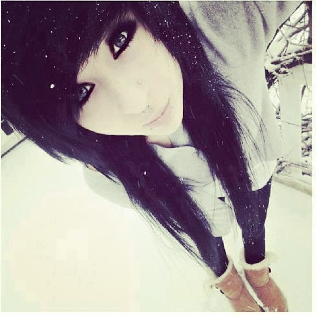 Snow White Emo Girl Pretty Cute Hair Eyes Look S