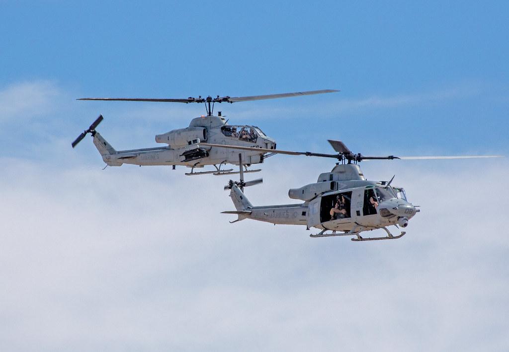 UH-1Y Venom_3   Bell UH-1Y Huey Venom and AH-1Z Super Cobra …   Flickr