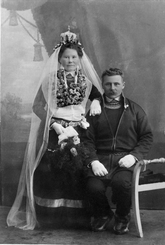 Samisk brudepar Sami bride with crown and groom Sweden