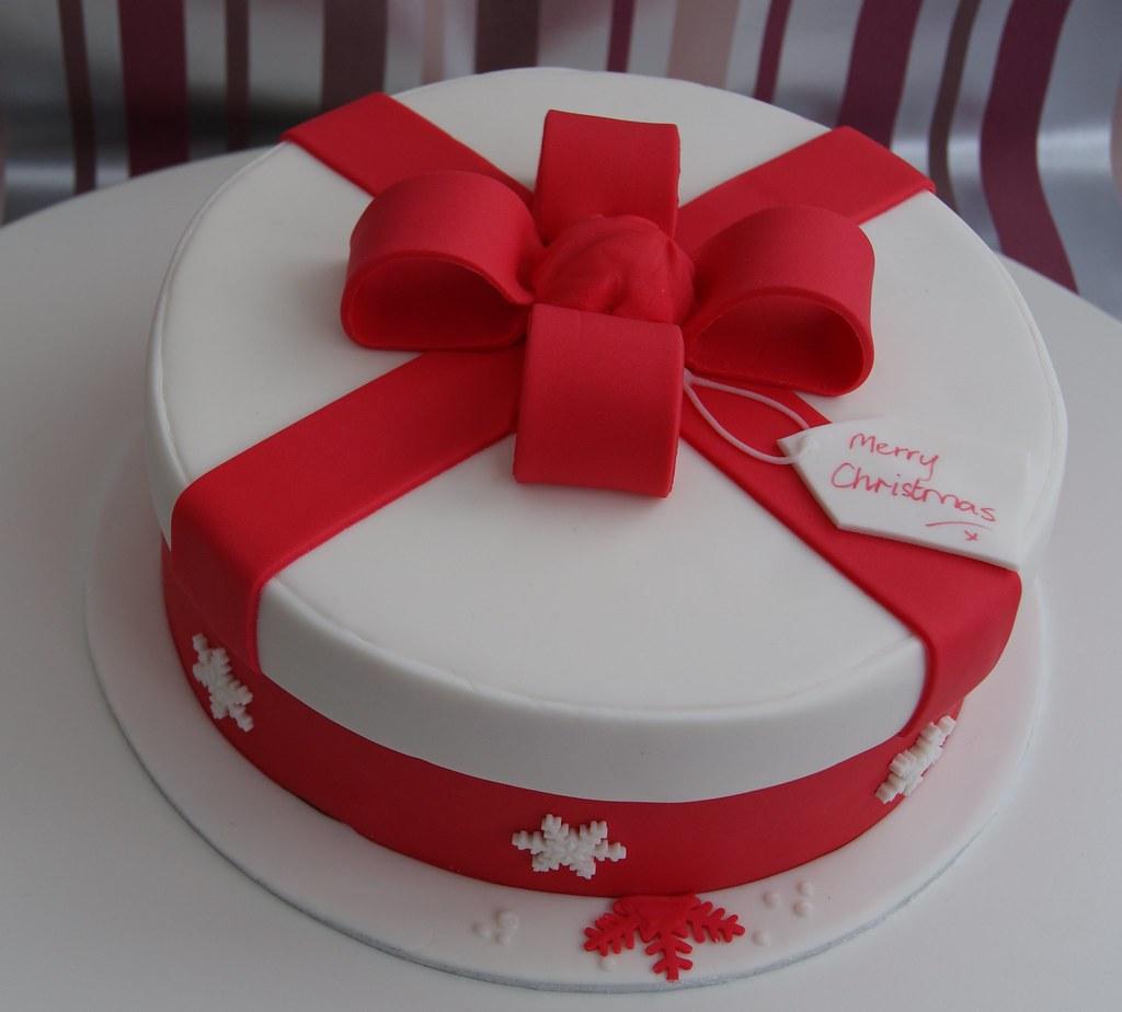 Christmas Present Hat Box Cake