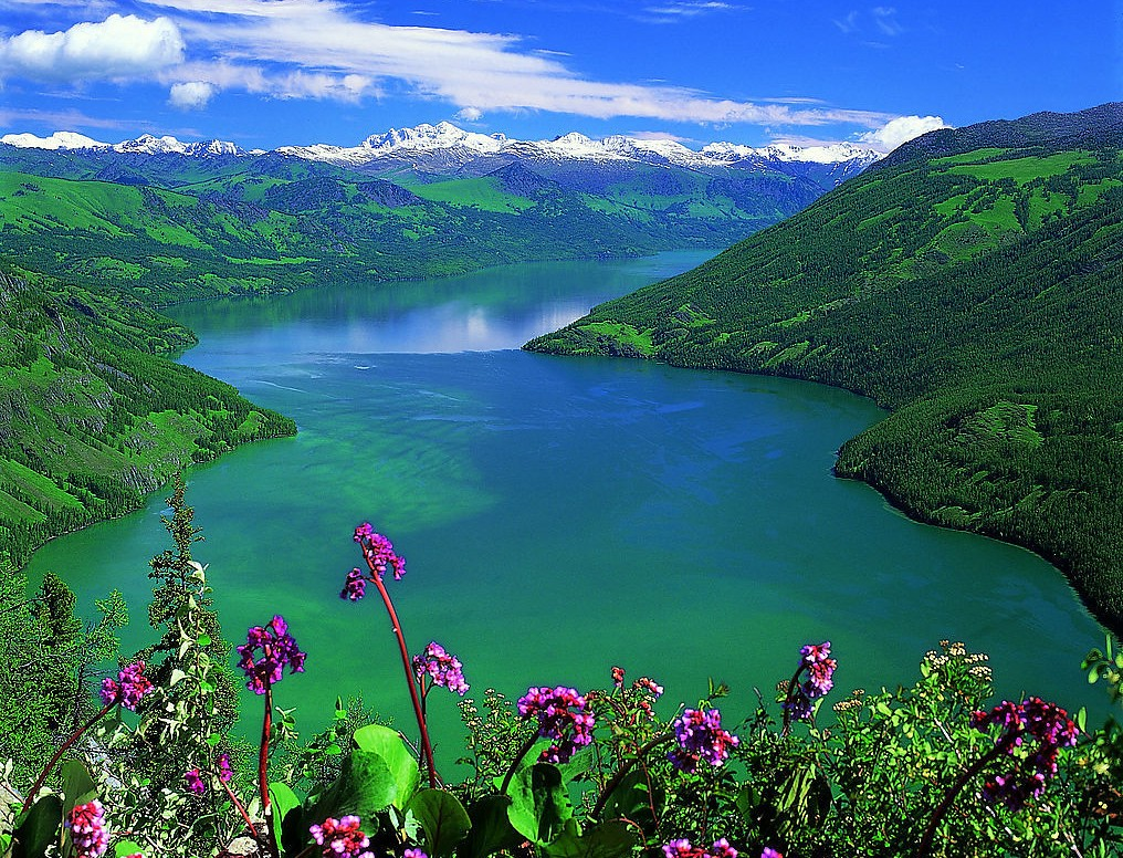 Kanas Lake in Xinjing  Chinas Top 5 Most Beautiful Lakes