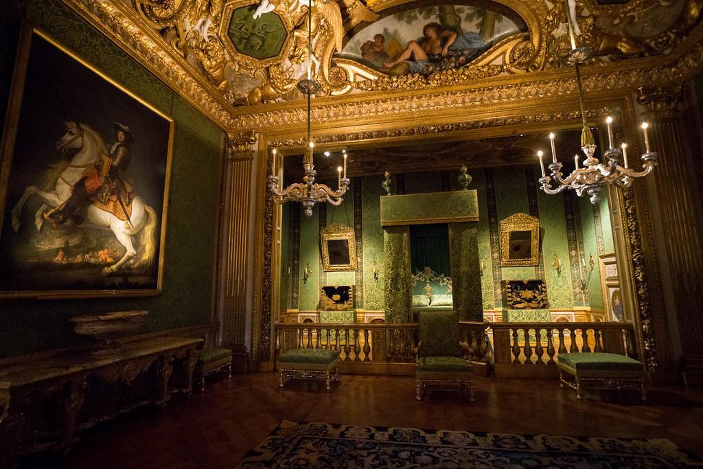 Vaux Le Vicomte Kings Bedroom Only 55 Kilometres