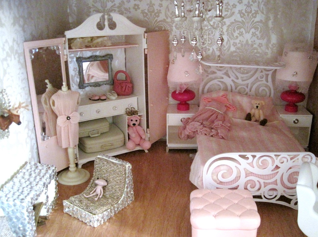 BLYTHE Doll House CUBBY 1 AFTER MAKEOVER not completed y