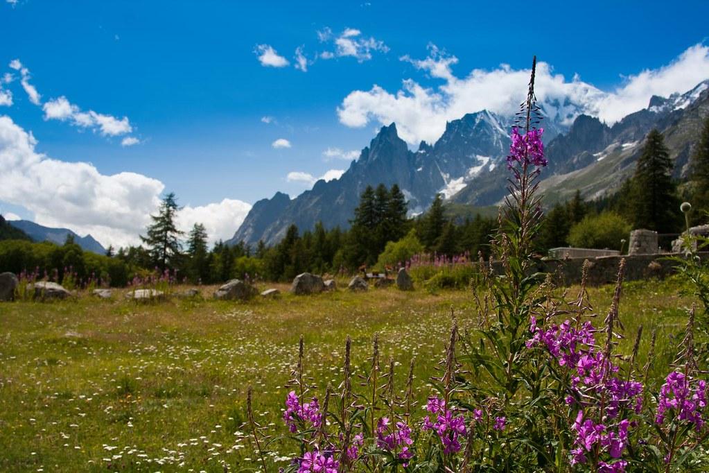 Paesaggio in Val Ferret Valle dAosta Italia   All