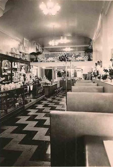 Edie S Coffee Shop Interior Warren Ohio Circa 1950s