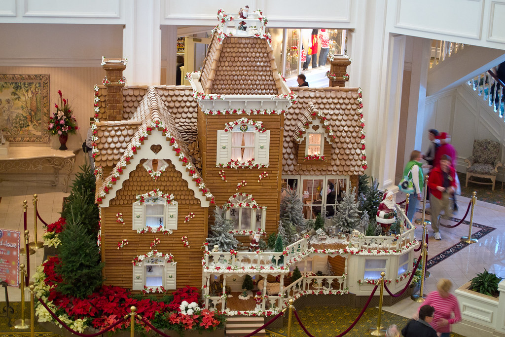Beautiful 3d Wallpaper Images Giant Gingerbread House The Famous Giant Gingerbread