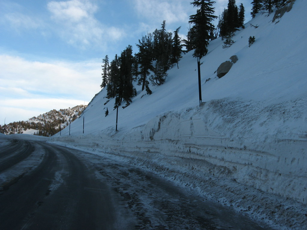 Significant Snowpack on Mount Rose Highway Approaching La