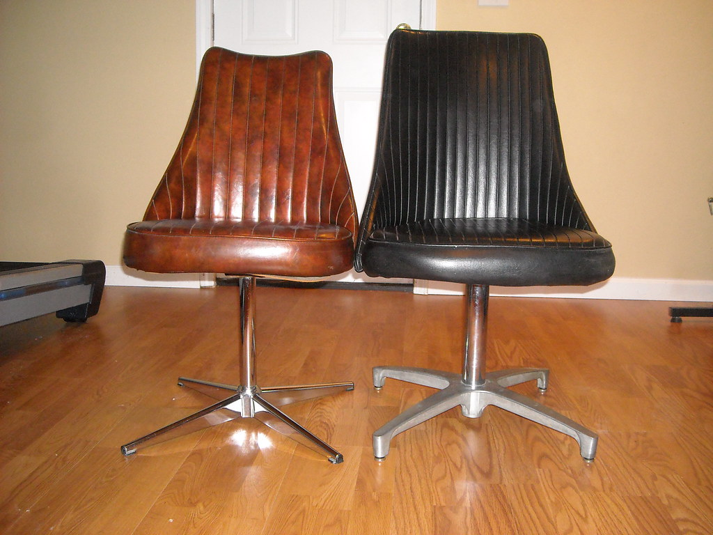 Chromcraft Chairs Chromcraft Chairs I Believe The Brown One Is Older Than