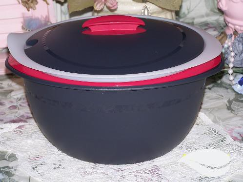 Tupperware Hot And Cold Insulated Oval Servers