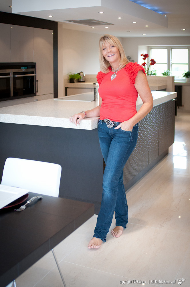 Carl Josef Kitchens  Lesley Pendergest in her kitchen