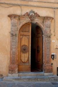 Italian door | Volterra, Tuscany, Italy 2010 | Thomas ...
