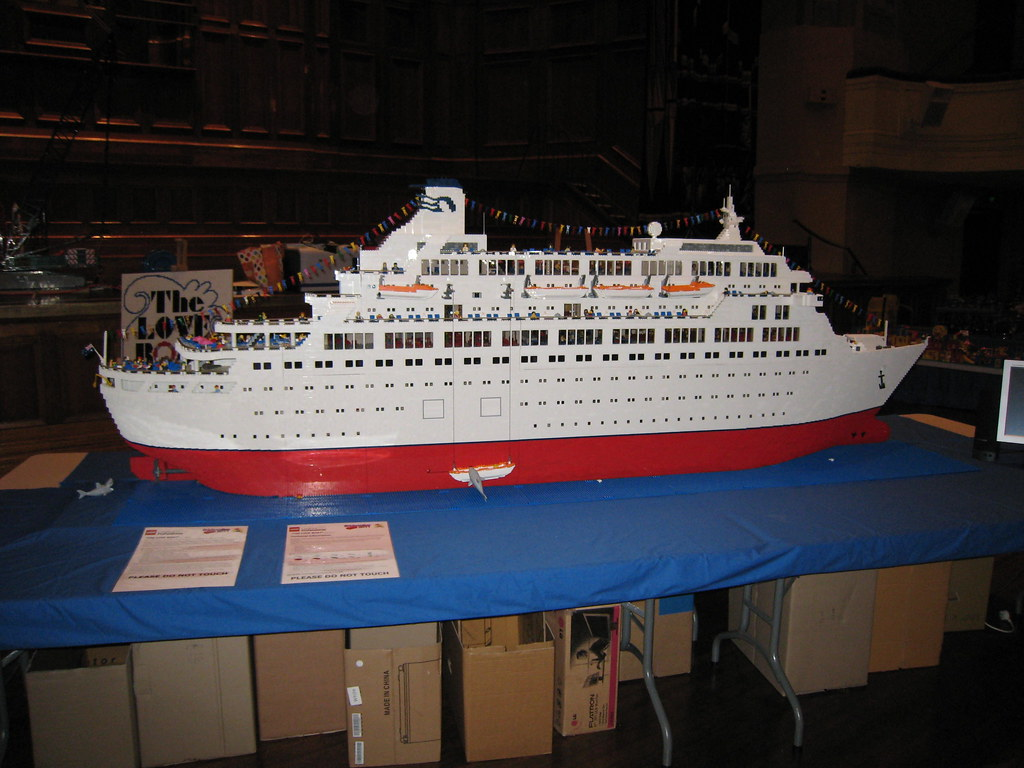 The Love Boat 250000 Pieces Over 9ft Long 3 Ft High