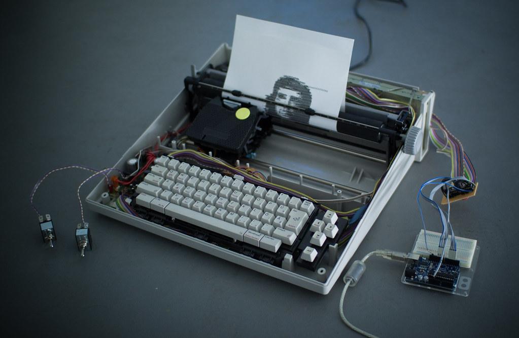 ArduinoControlled Typewriter  Using two 4051 multiplexer