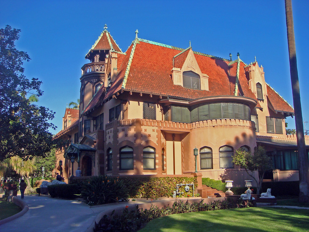 06c 8 Chester Pl  Doheny Mansion  HCM30  Front and Sou
