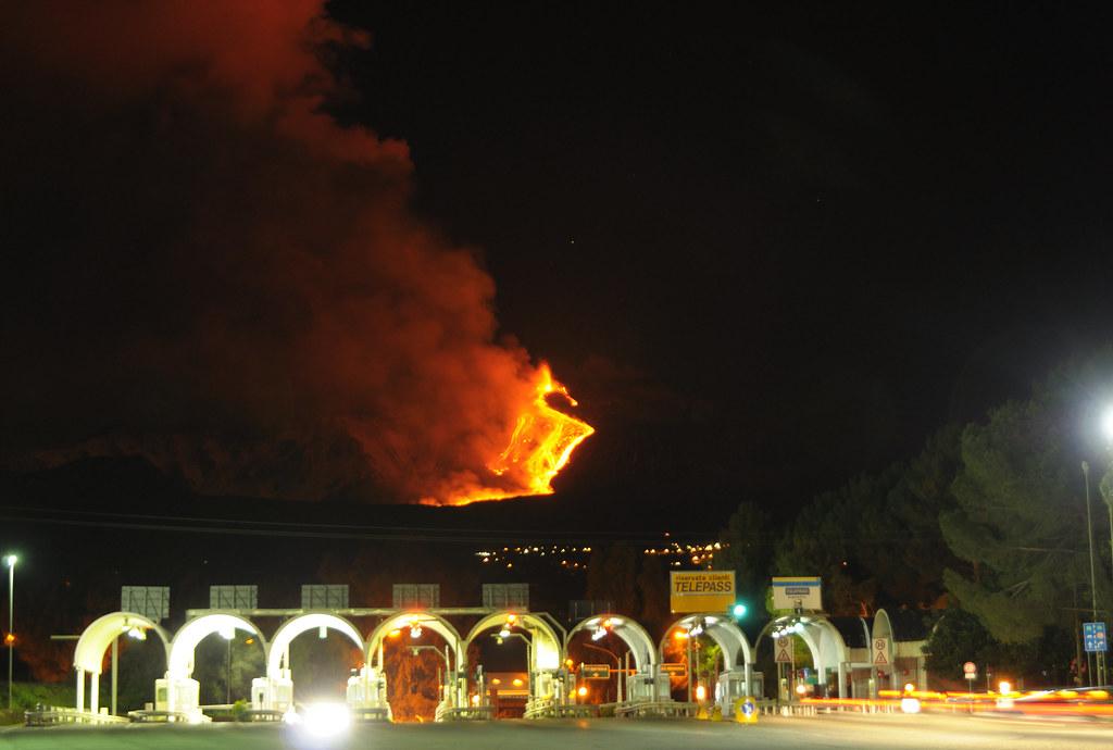 Etna Volcano Paroxysmal Eruption Jan 12 2011 Creative Co