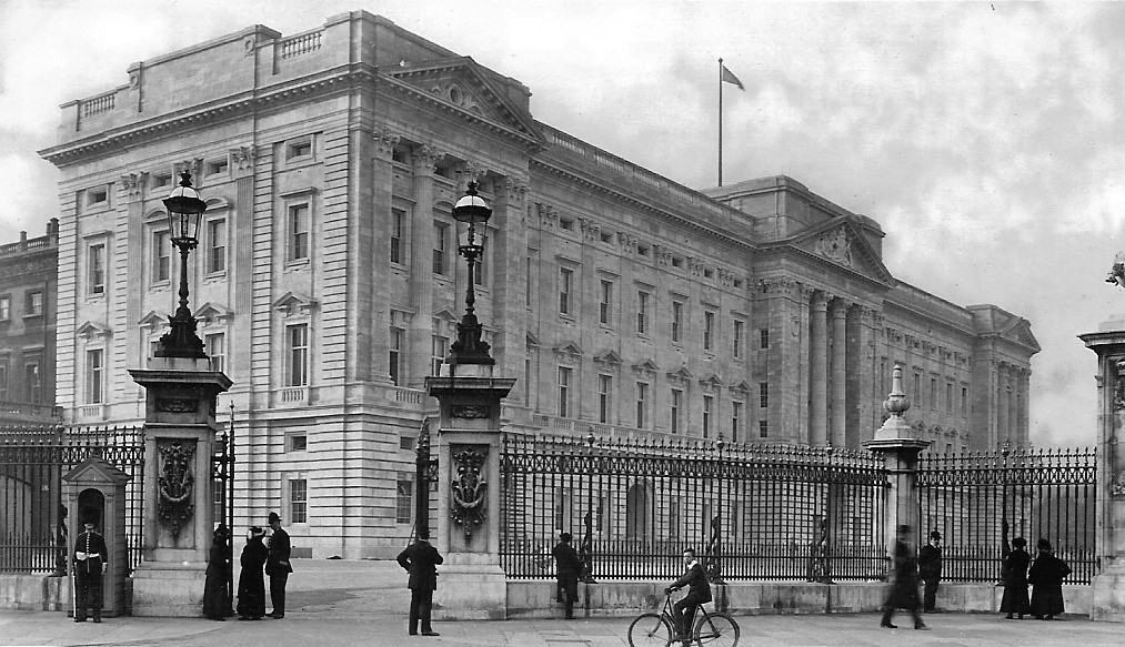Buckingham Palace  This photograph was taken Just before